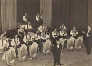 Maxwell Hardwood Stothert's Band, 1940/50s (Source:http://www.theboltonnews.co.uk/news/northwest/10078941.Researching_grandad_s_dance_band/)