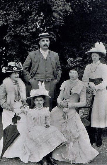marriage_family_1900